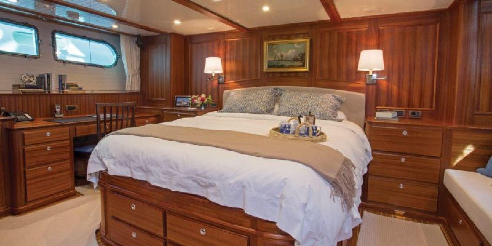 2022 Hunt Yachts 82' Ocean 76 Flybridge OCEAN 76 | Picture 3 of 8