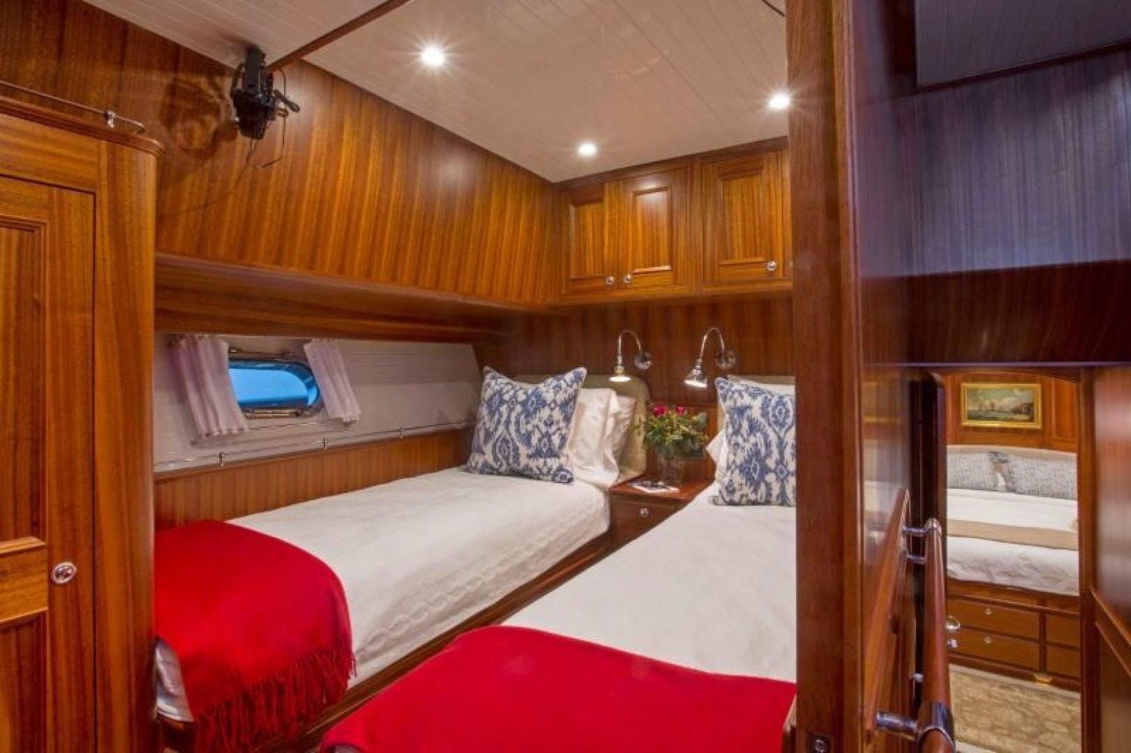 2022 Hunt Yachts 82' Ocean 76 Flybridge OCEAN 76 | Picture 4 of 8