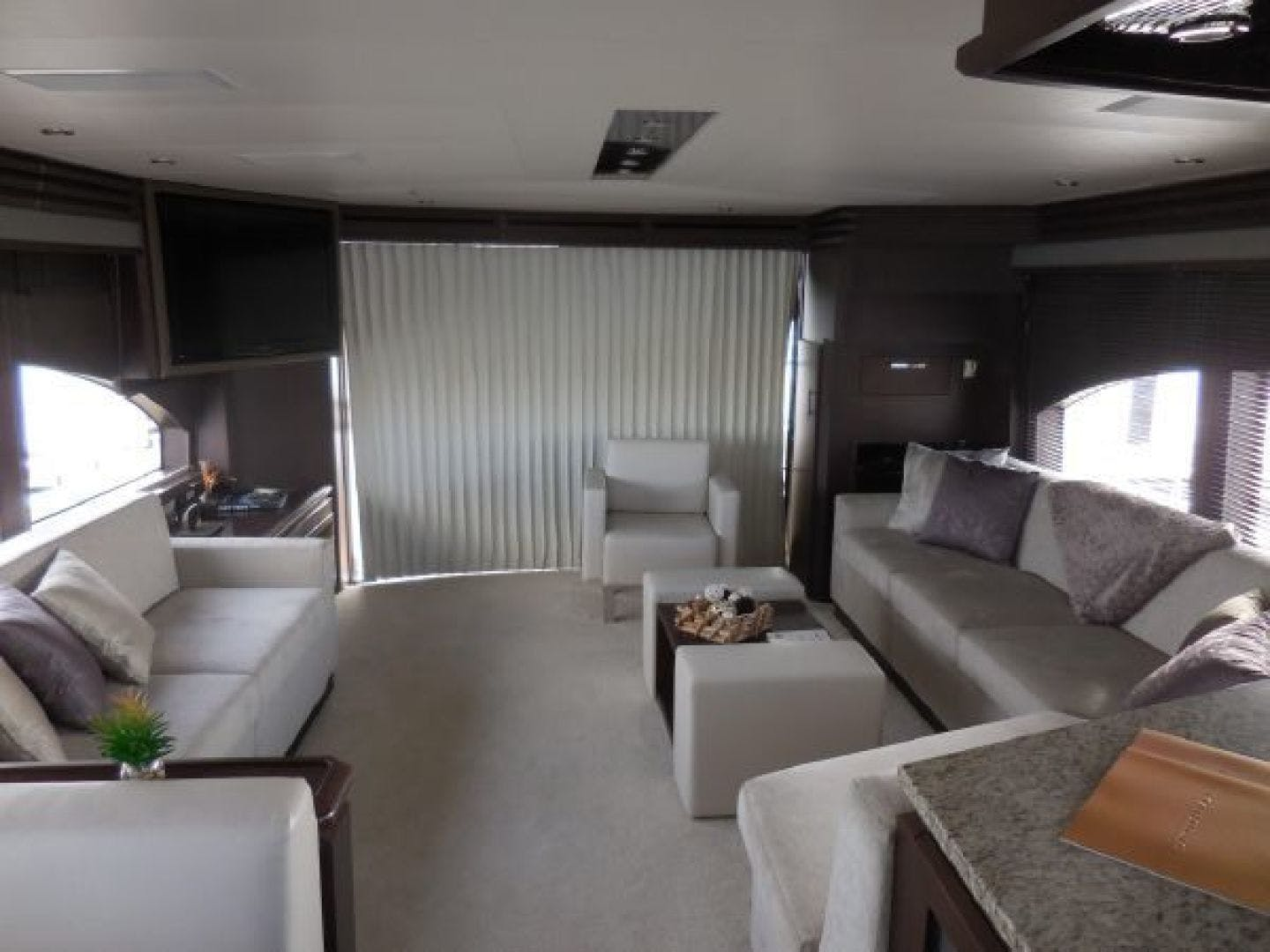 2015 Marquis 72' 72 FLY   | Picture 3 of 129