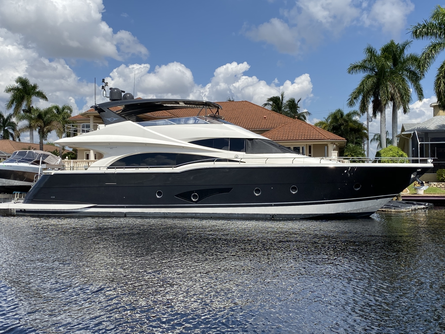 2015 Marquis 72' 72 FLY