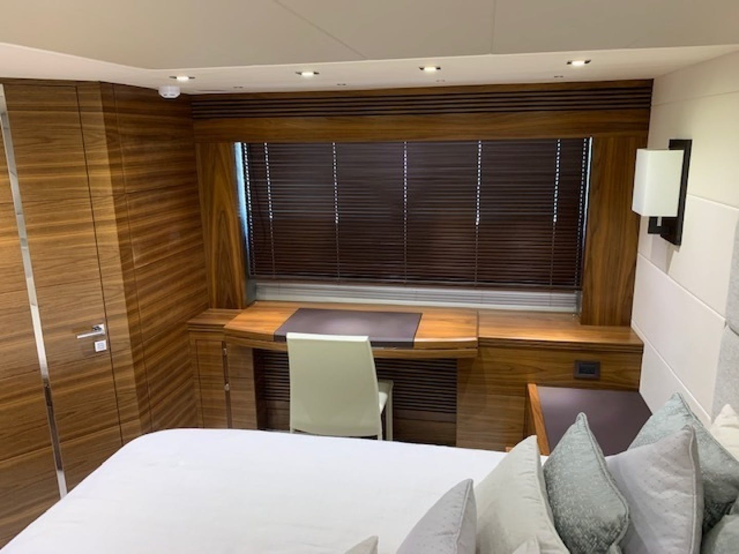 2017 Sunseeker 68' Predator Piece Of Ship | Picture 4 of 41