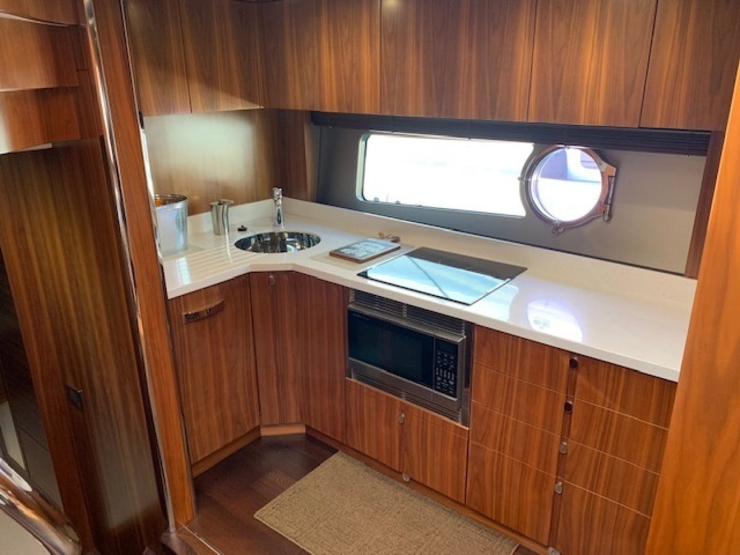 2017 Sunseeker 68' Predator Piece Of Ship | Picture 6 of 41