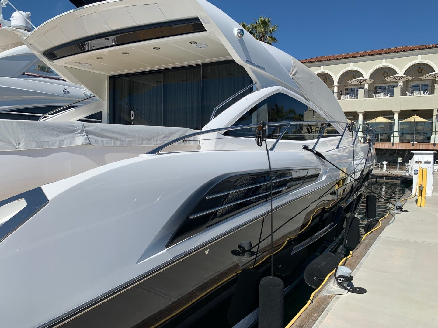 2017 Sunseeker 68' Predator Piece Of Ship | Picture 3 of 41