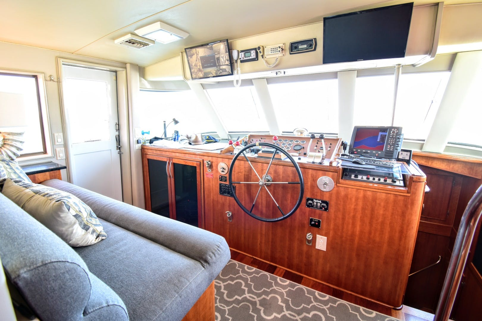 1985 Hatteras 82' 82 Cockpit Motor Yacht Papillon | Picture 5 of 43