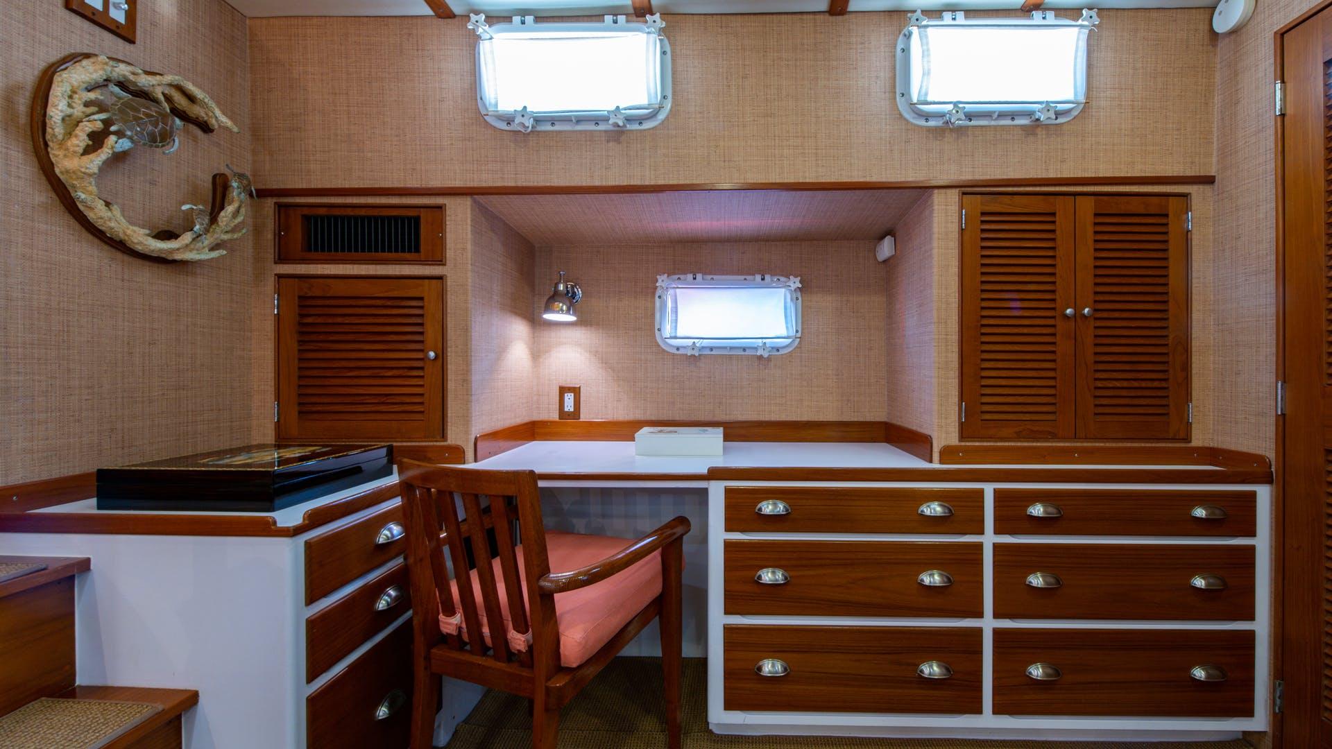 1988 Burger 72' Hunt Design Express Cruiser Assignation | Picture 1 of 30