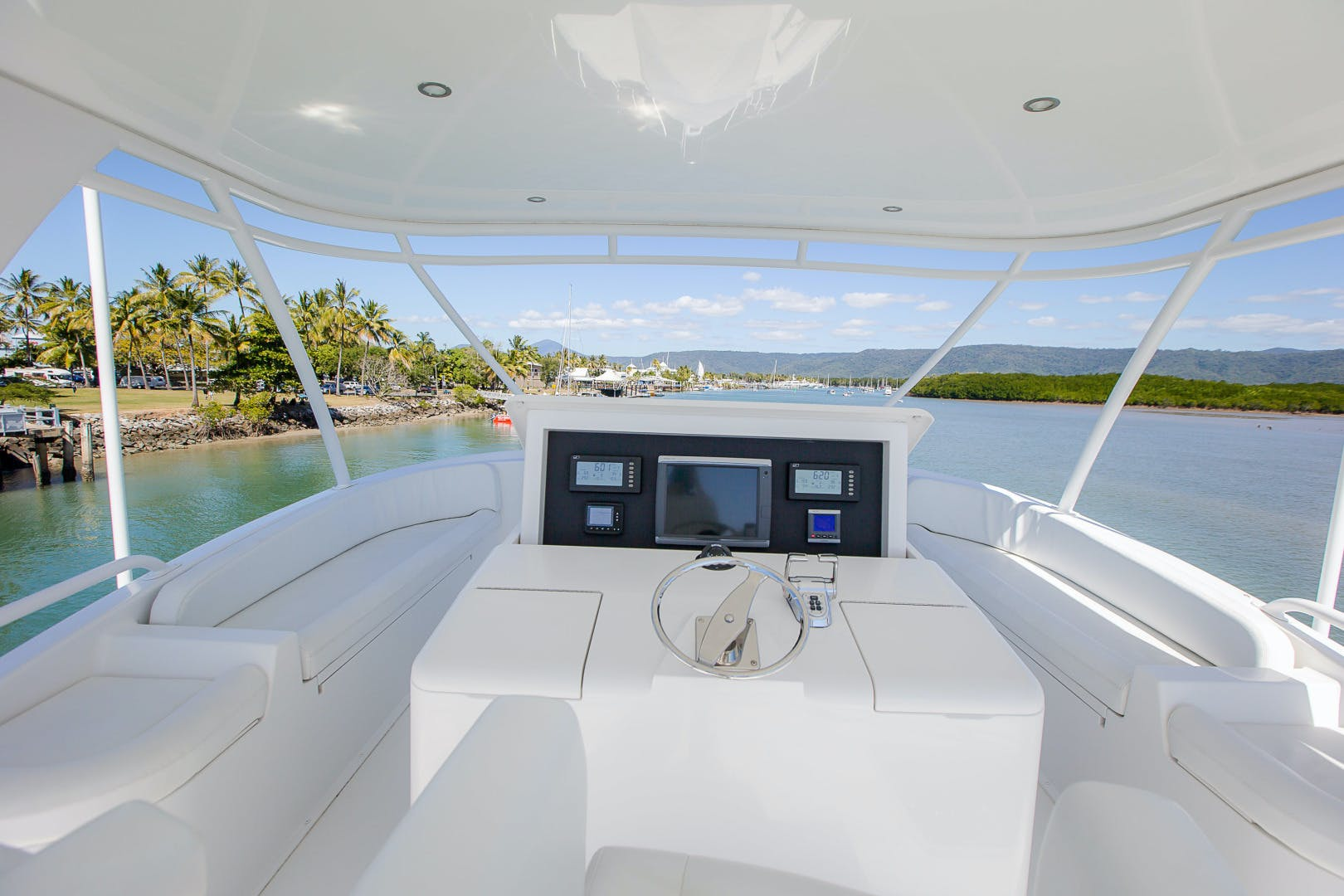 2012 Viking 76' 76 Enclosed Skybridge Reel Power | Picture 4 of 62