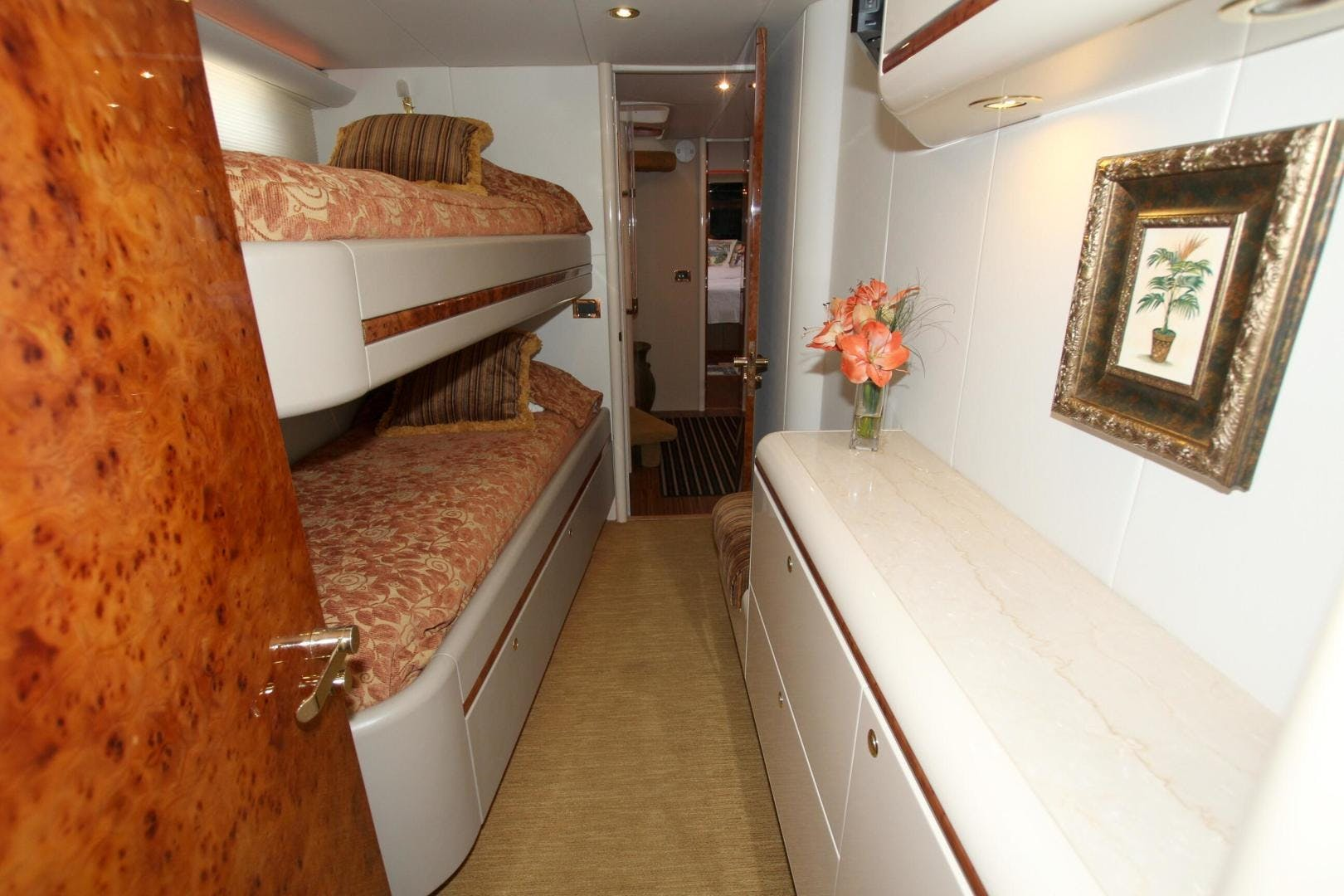 1995 Lazzara 76' 76 GRAND SALON Christmas Spirit | Picture 3 of 117