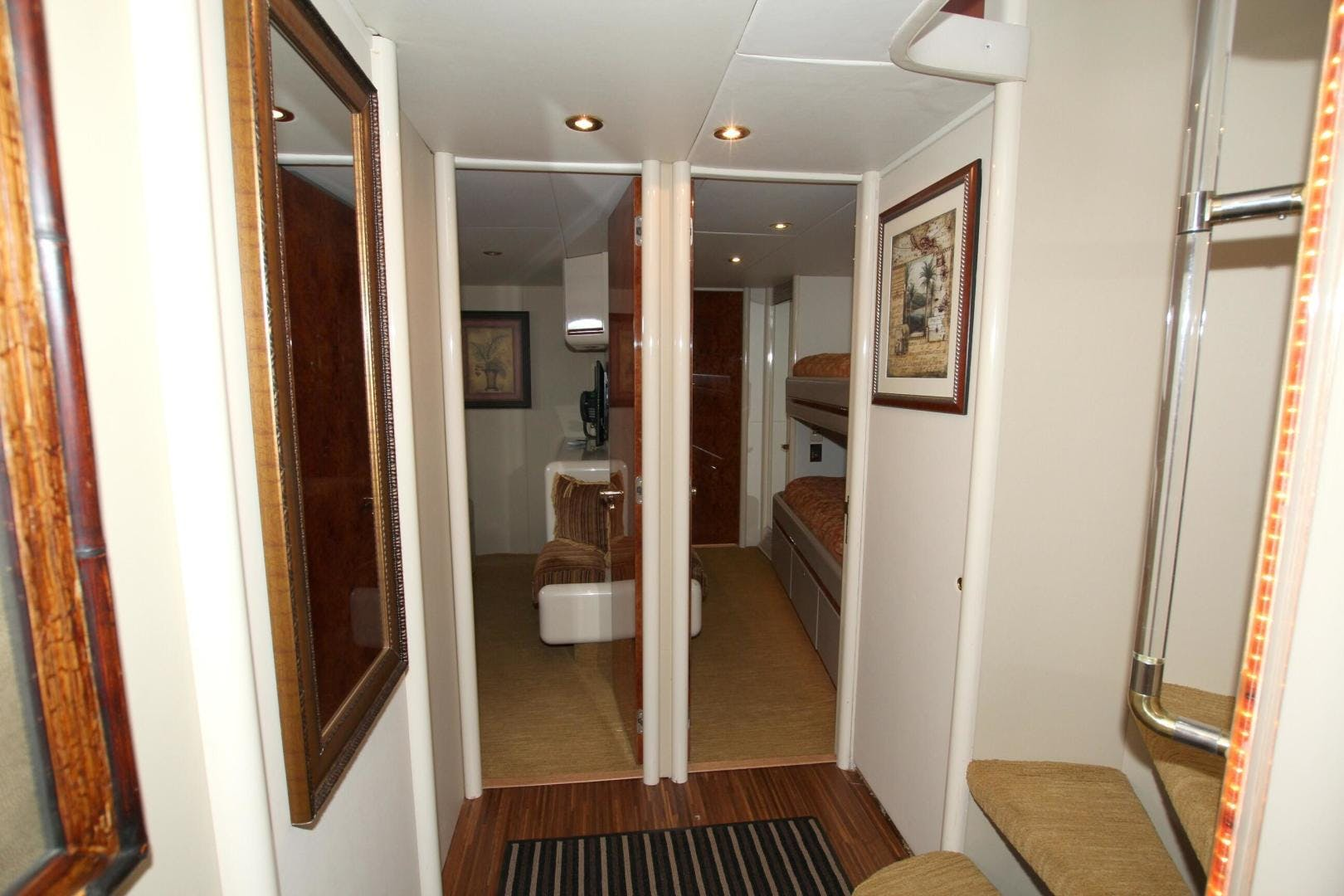 1995 Lazzara 76' 76 GRAND SALON Christmas Spirit | Picture 5 of 117