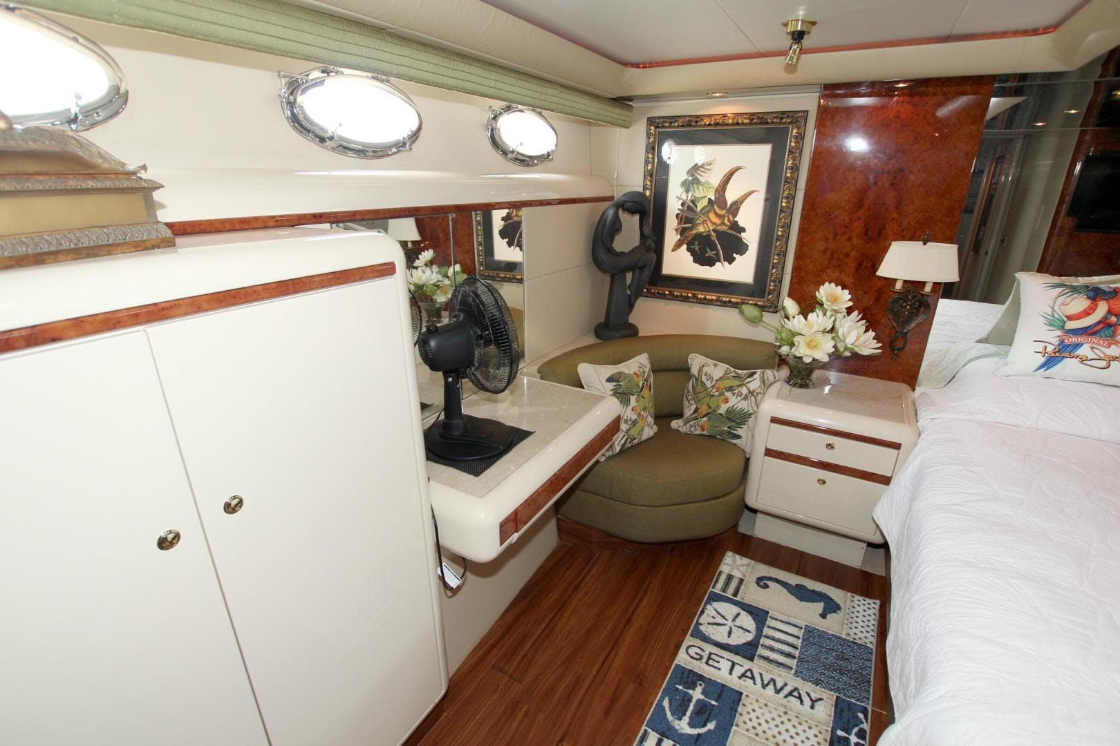 1995 Lazzara 76' 76 GRAND SALON Christmas Spirit | Picture 4 of 117