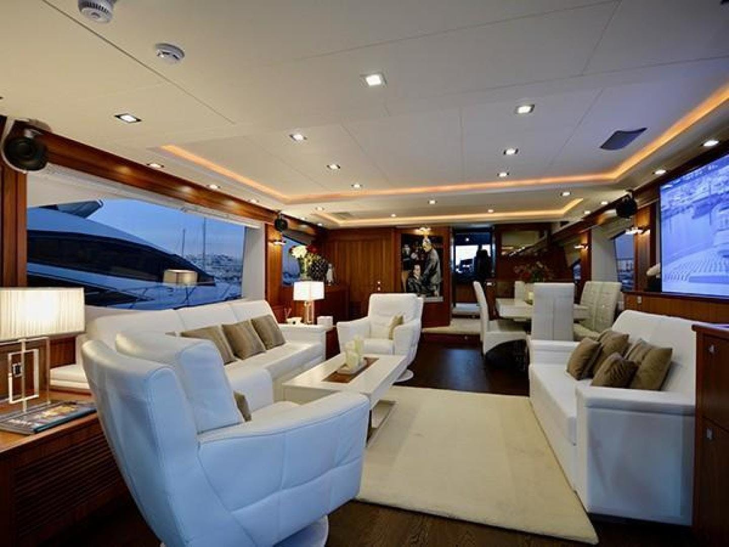 2011 Sunseeker 88' Flybridge Motor Yacht EXIMIUS | Picture 5 of 30
