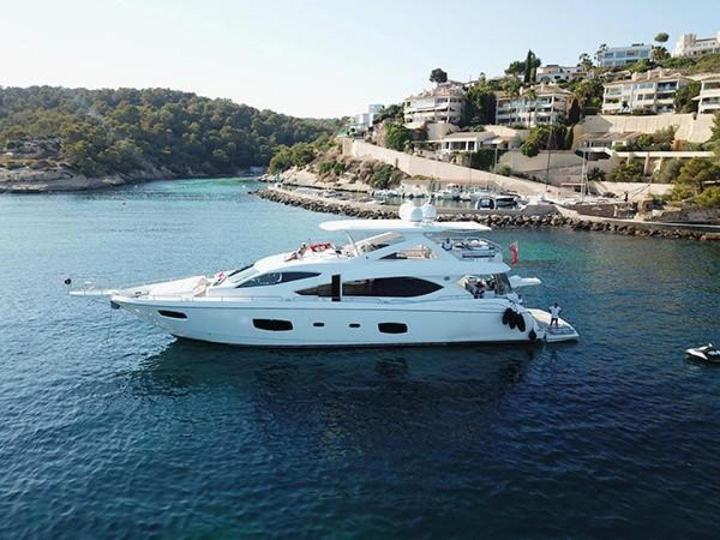 2011 Sunseeker 88' Flybridge Motor Yacht EXIMIUS | Picture 1 of 30