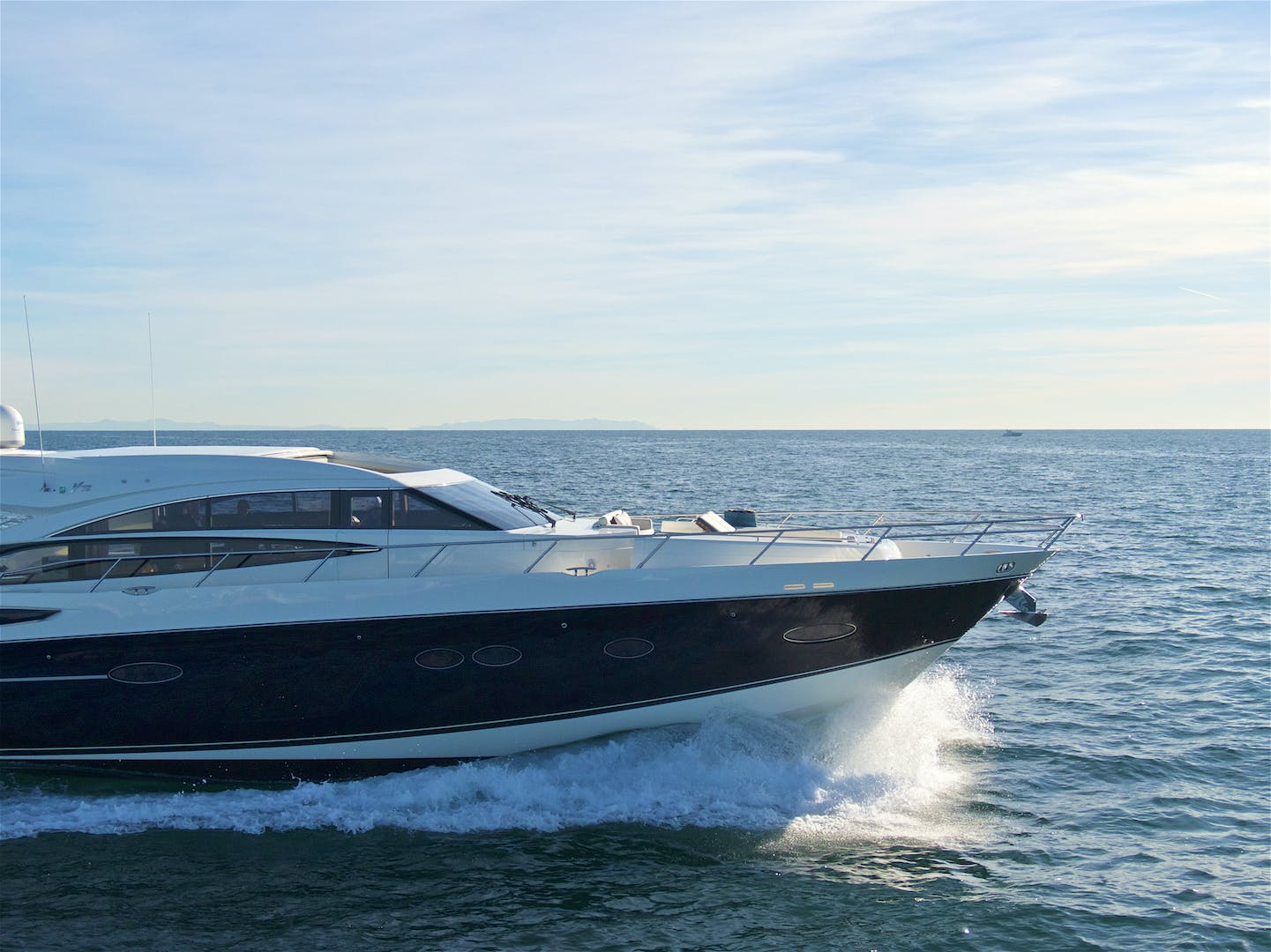 2014 Princess 72' V72 BREATHLESS | Picture 3 of 34