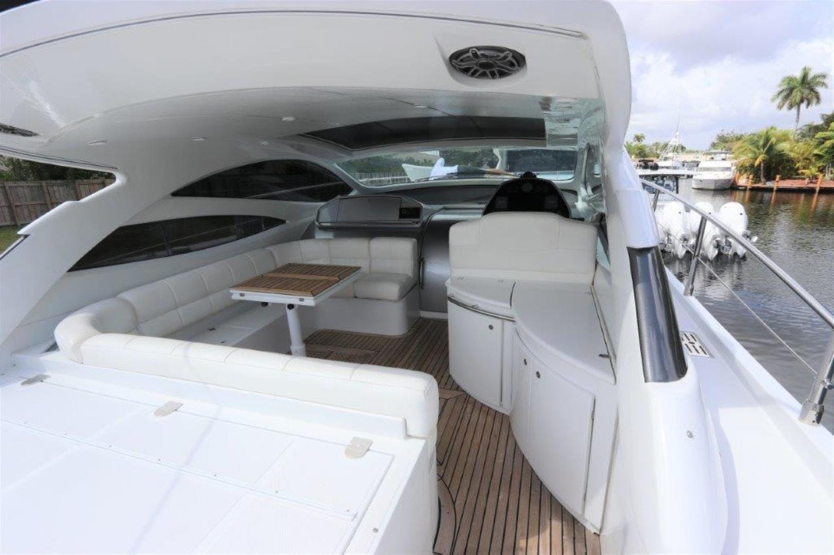 2004 Pershing 50' Express    Picture 5 of 52