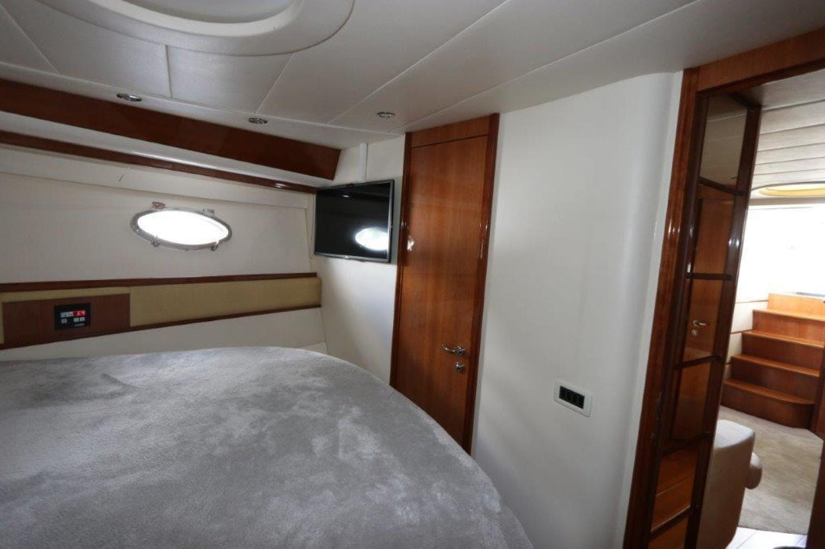 2004 Pershing 50' Express    Picture 1 of 52