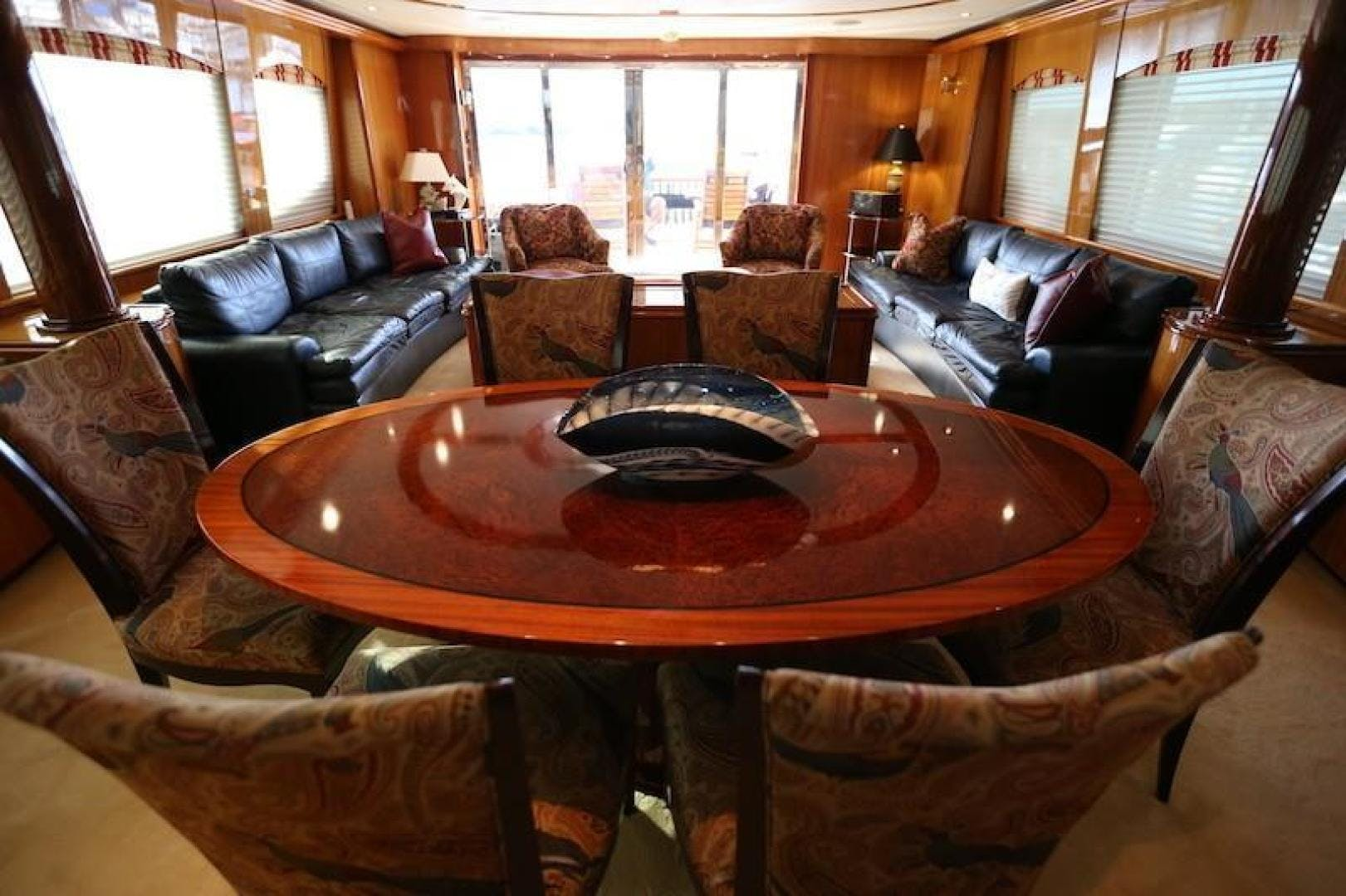 2005 Hatteras 80' Sky Lounge Motor Yacht SECOND GENERATION   Picture 7 of 69