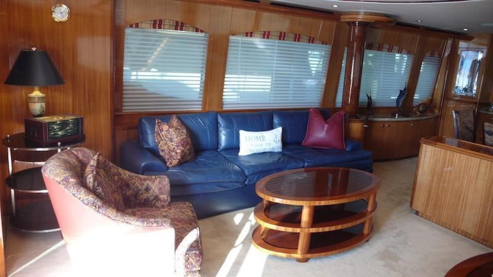 2005 Hatteras 80' Sky Lounge Motor Yacht SECOND GENERATION   Picture 2 of 69