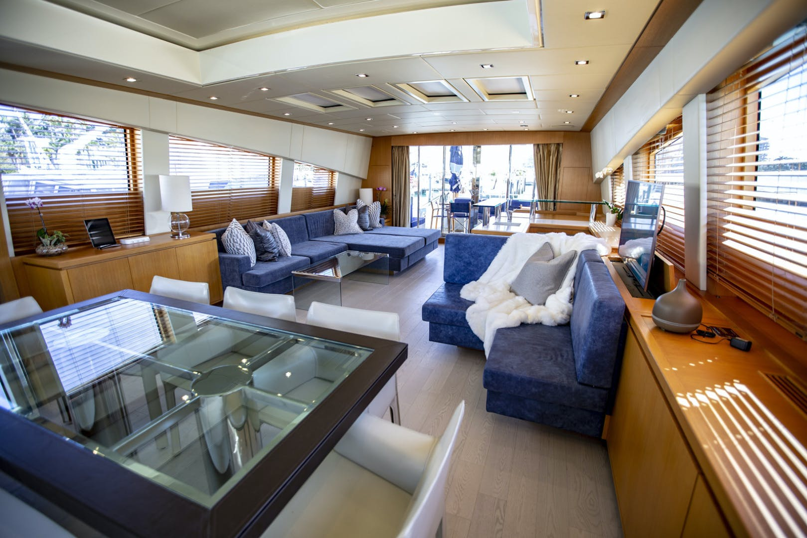 2007 Leopard 101' Motor Yacht Veloce | Picture 2 of 73