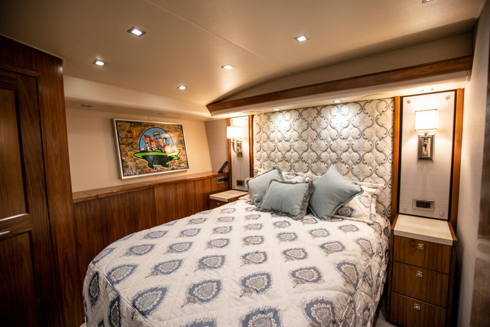 2016 Viking 92' 92 Enclosed Bridge Berry Patch | Picture 7 of 92