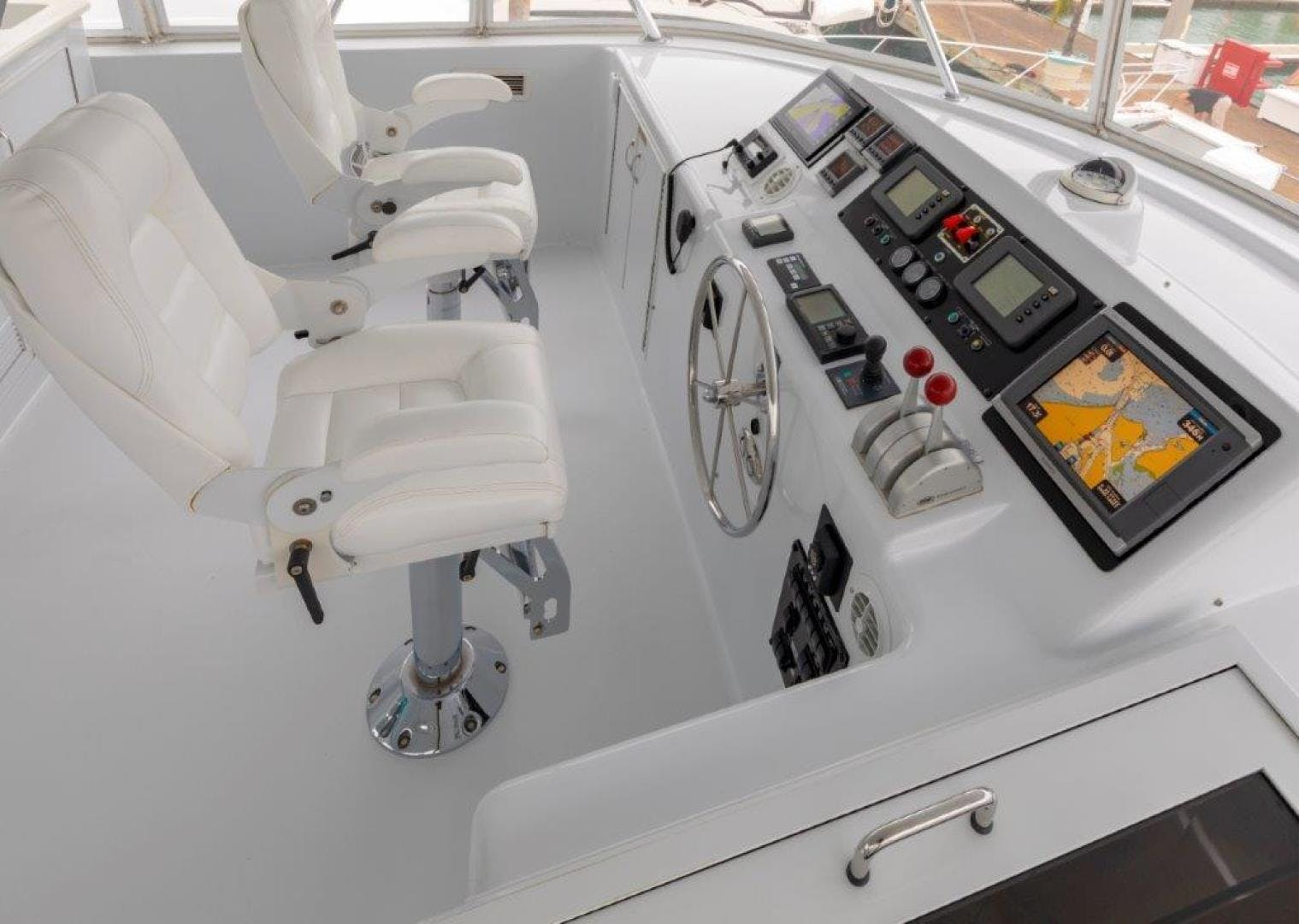 2003 Hatteras 75' Cockpit Motoryacht VICTORY LANE | Picture 4 of 51