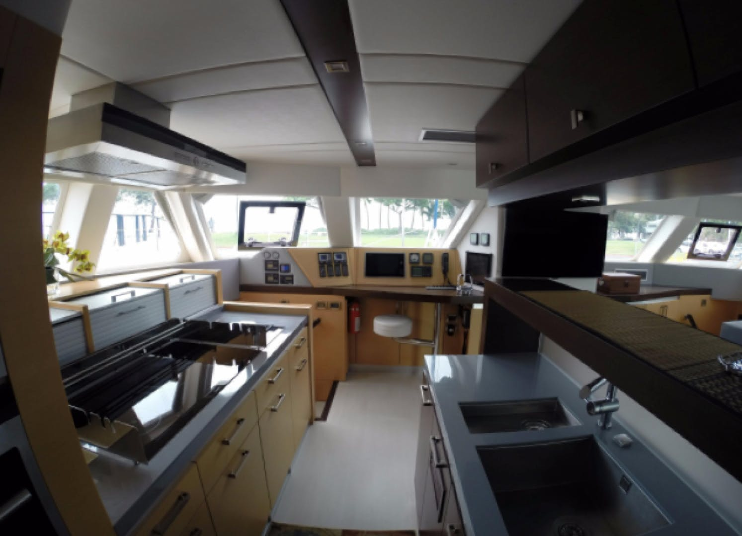 2012 Sunreef 70' Sailing 70  | Picture 4 of 21