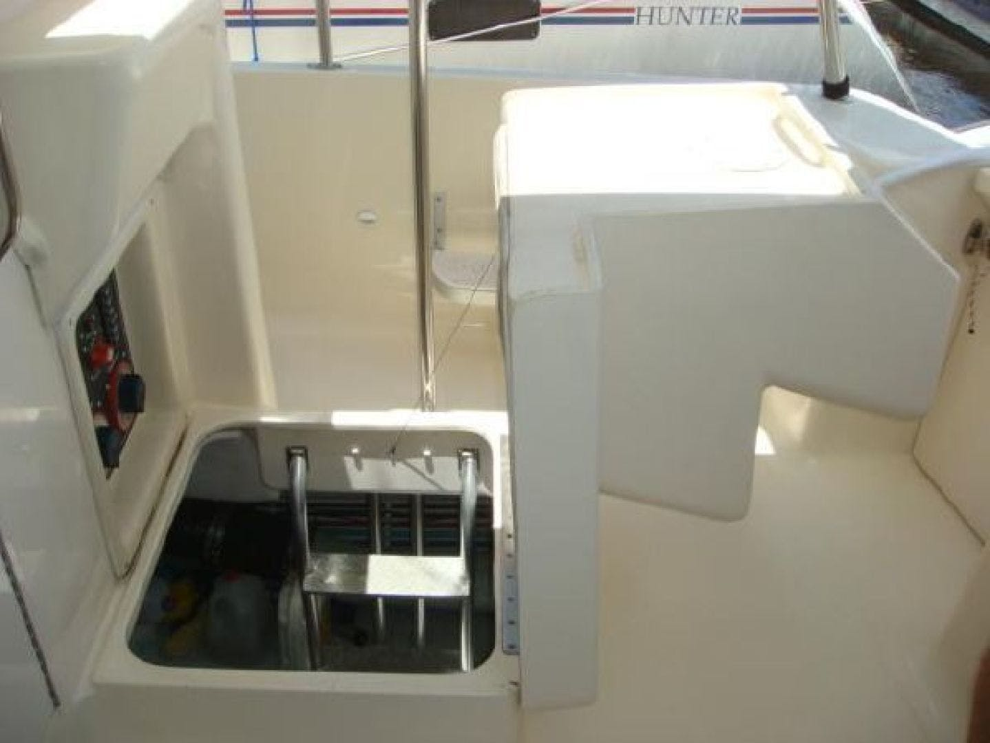 2005 Mainship 34' 34  Wind In The Face IV | Picture 3 of 61