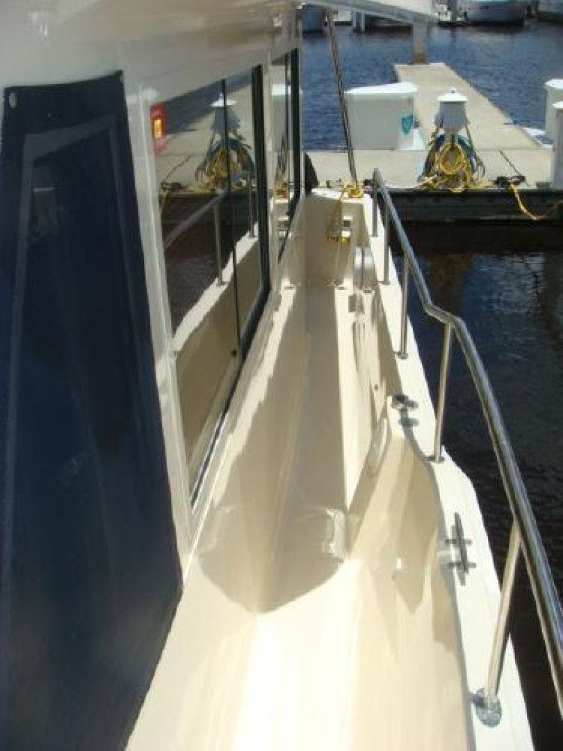 2005 Mainship 34' 34  Wind In The Face IV | Picture 6 of 61