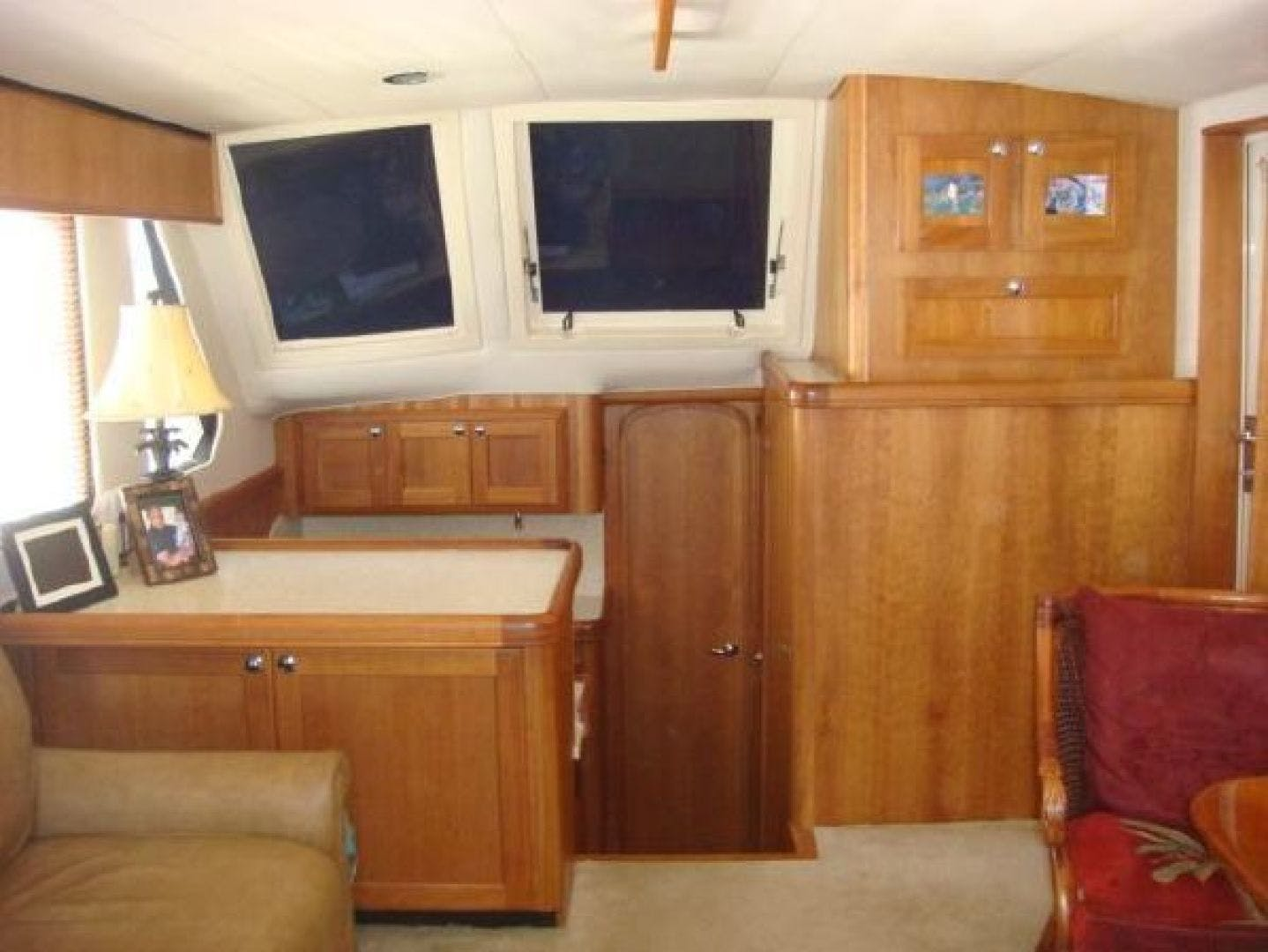 2005 Mainship 34' 34  Wind In The Face IV | Picture 2 of 61