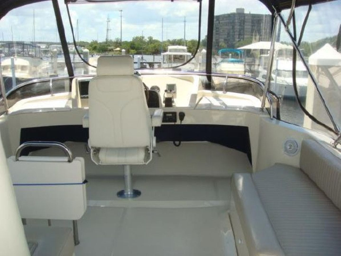 2005 Mainship 34' 34  Wind In The Face IV | Picture 4 of 61