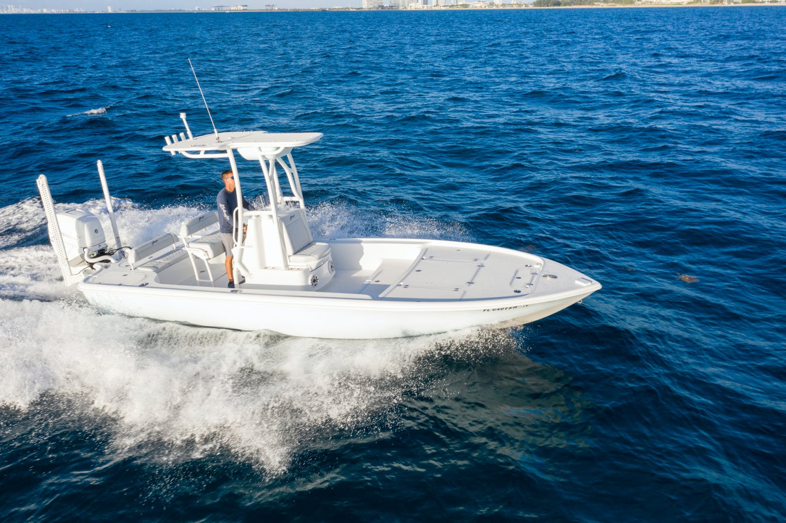 2021 Yellowfin 24' 24 Bay CE 24 Bay CE | Picture 1 of 15