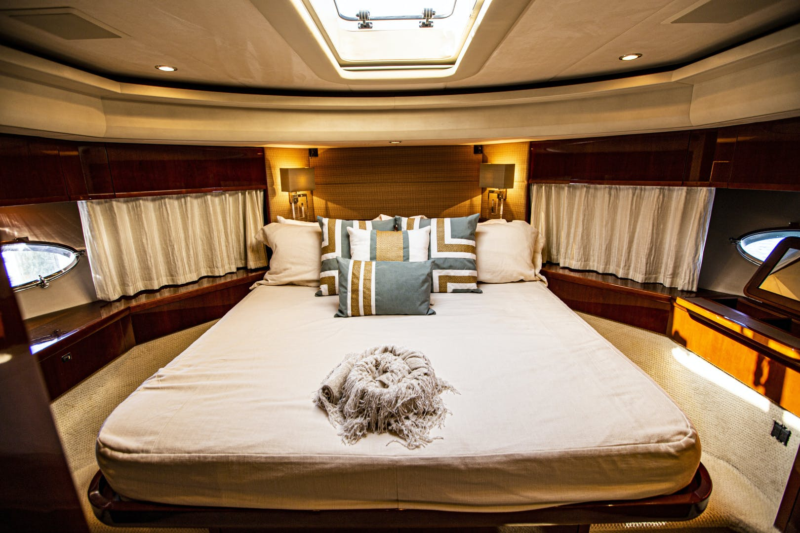 2009 Viking Princess 85' V85 Las Brisas | Picture 5 of 86