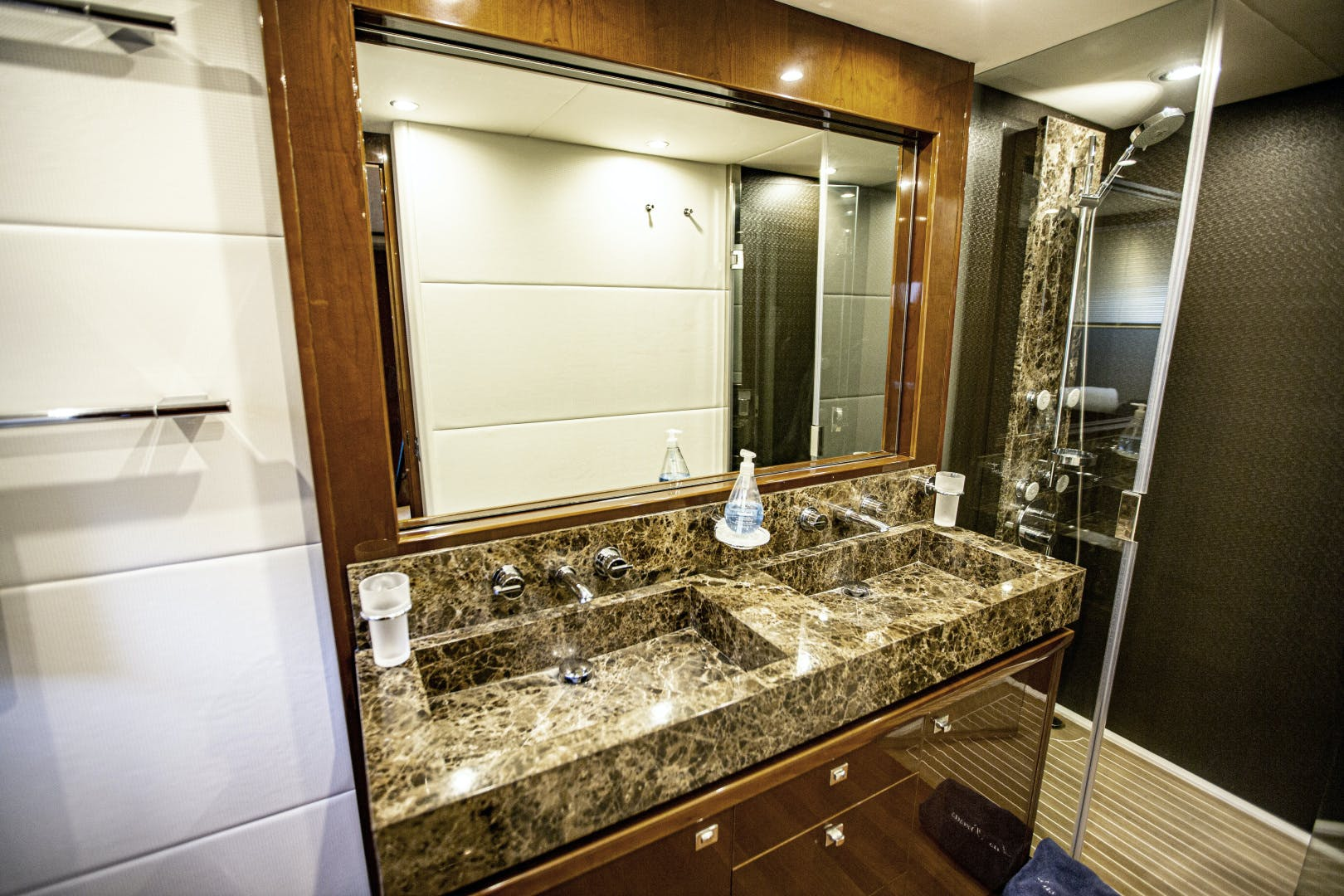 2009 Viking Princess 85' V85 Las Brisas | Picture 8 of 86