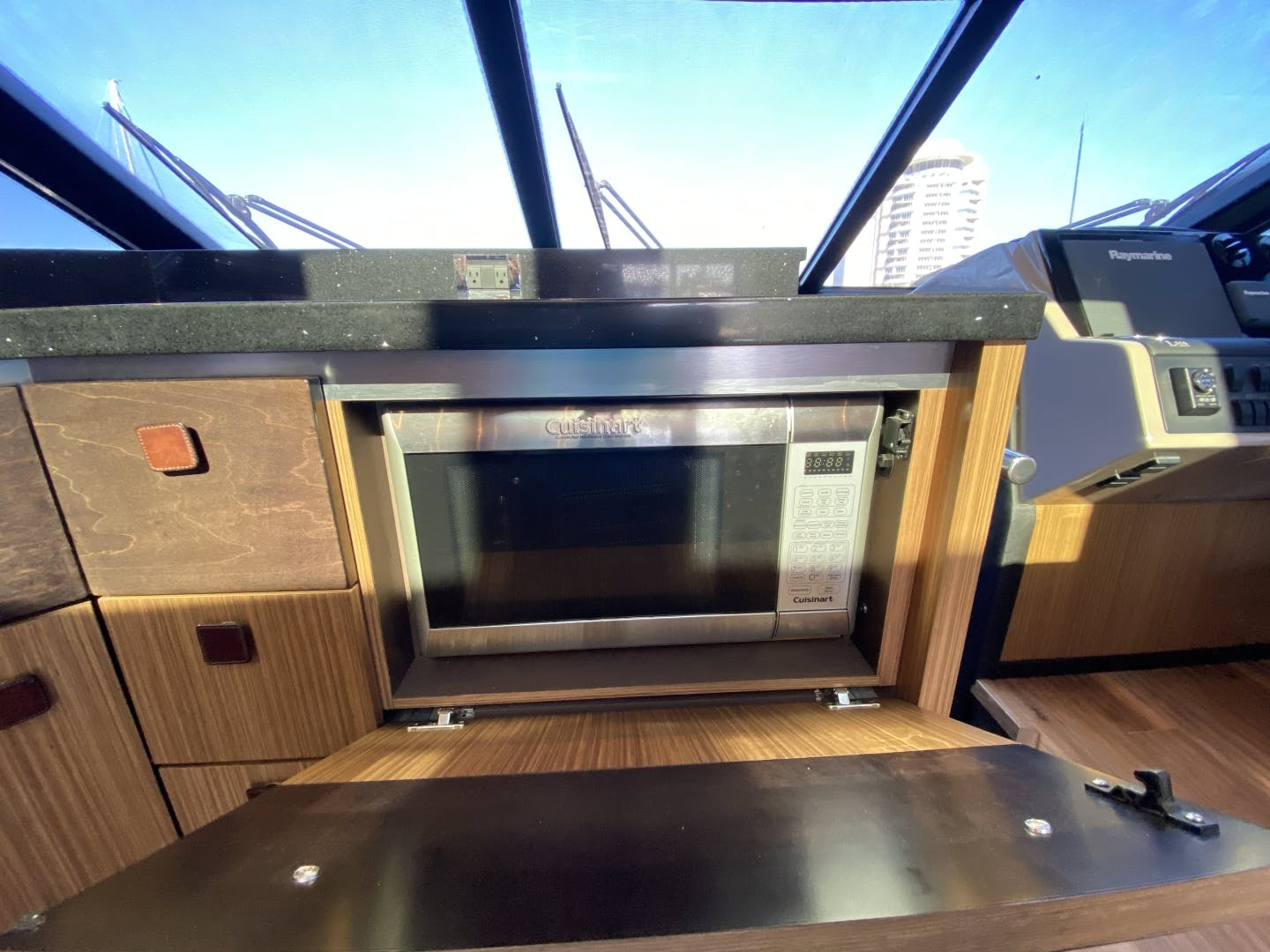 2016 Sea Ray 65' L650 Express Cozy | Picture 1 of 90
