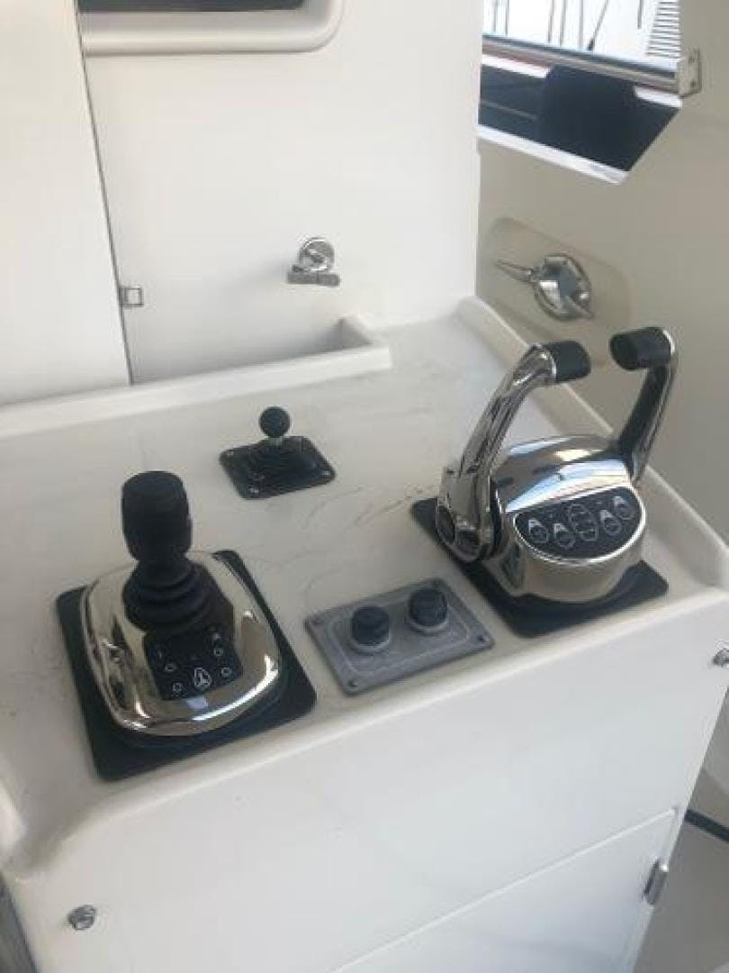 2001 Offshore Yachts 62' 62 Pilot House Sandman II | Picture 8 of 31