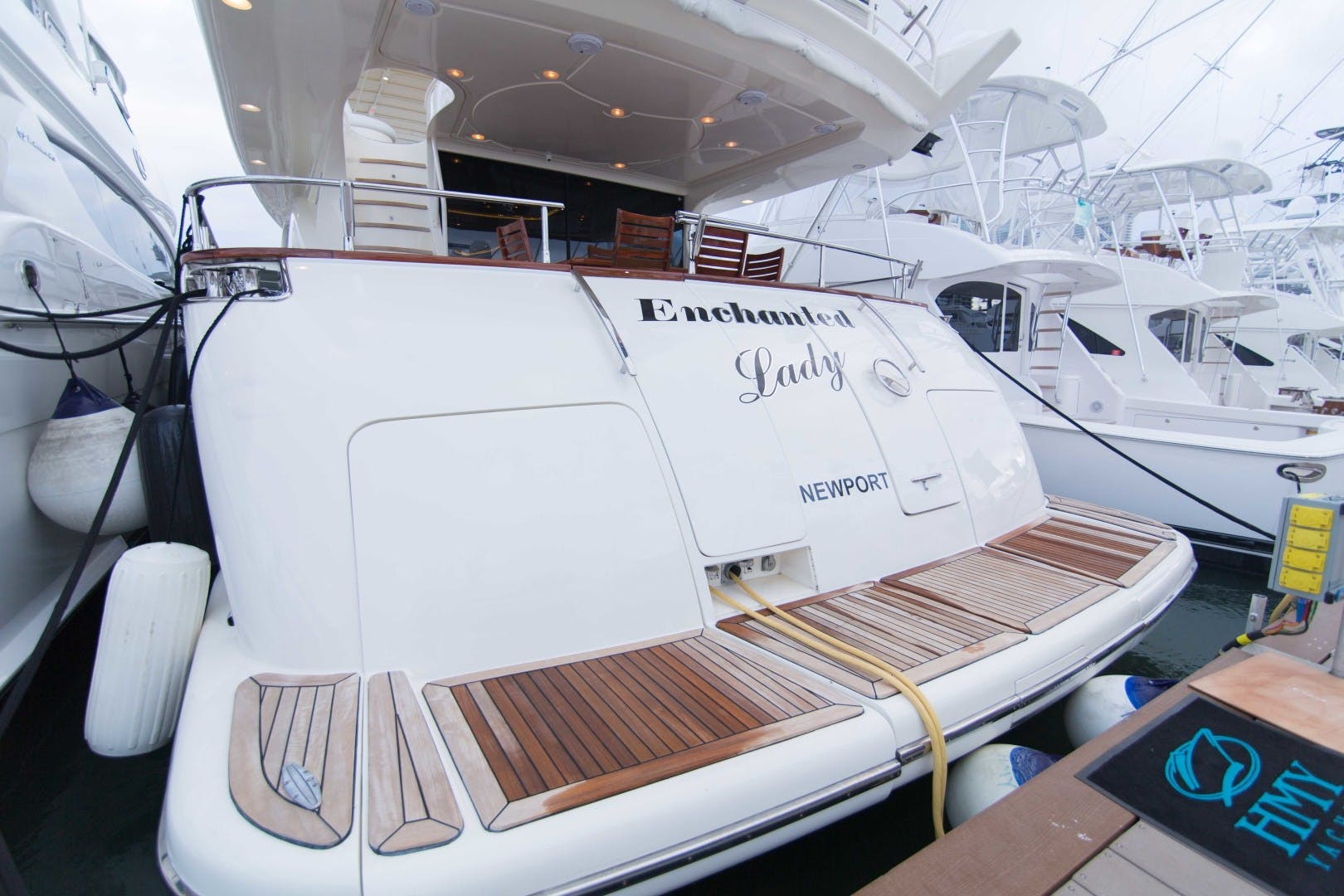 2001 Azimut 80' Motor Yacht Enchanted Lady   Picture 5 of 91