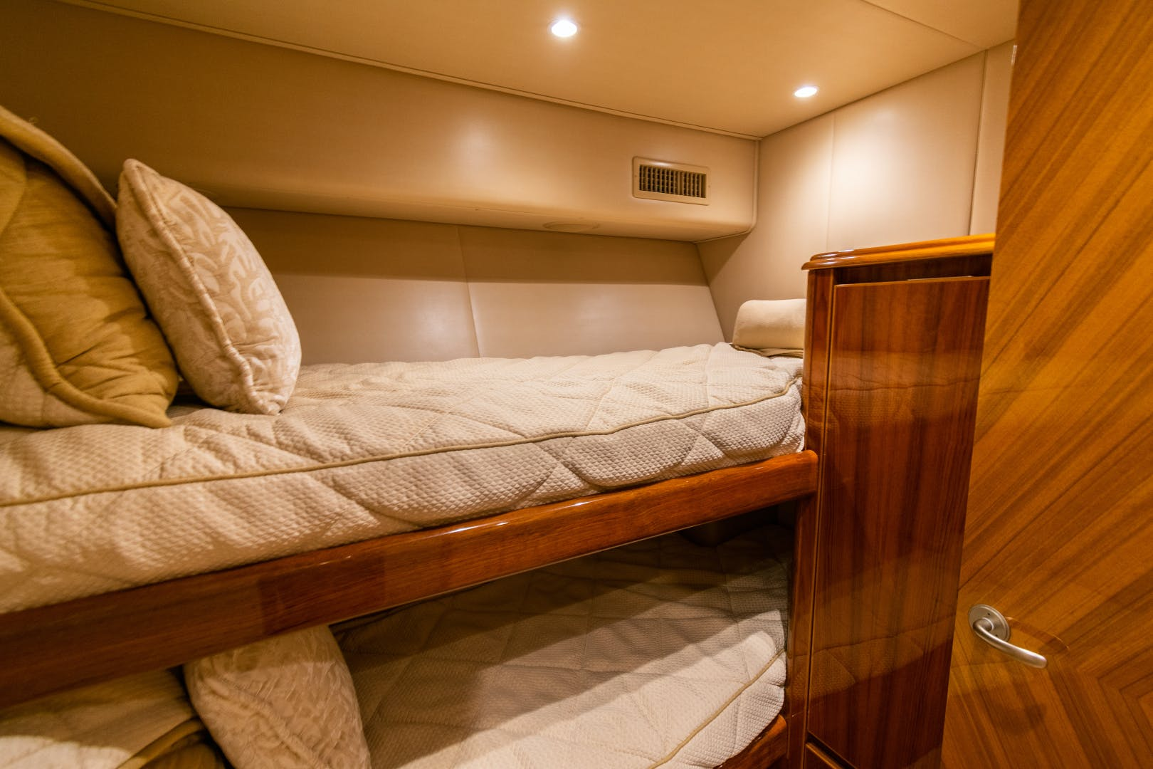 2014 Viking 70' 70 Convertible Load N Go | Picture 8 of 68