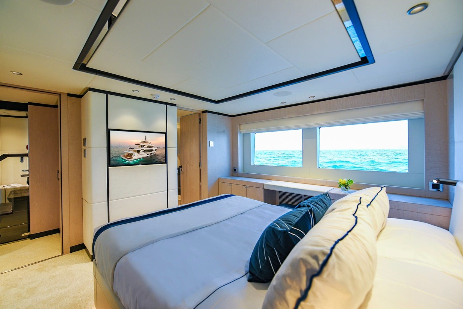 2022 Majesty Yachts 120' Raised Pilothouse MAJESTY 120 | Picture 4 of 39