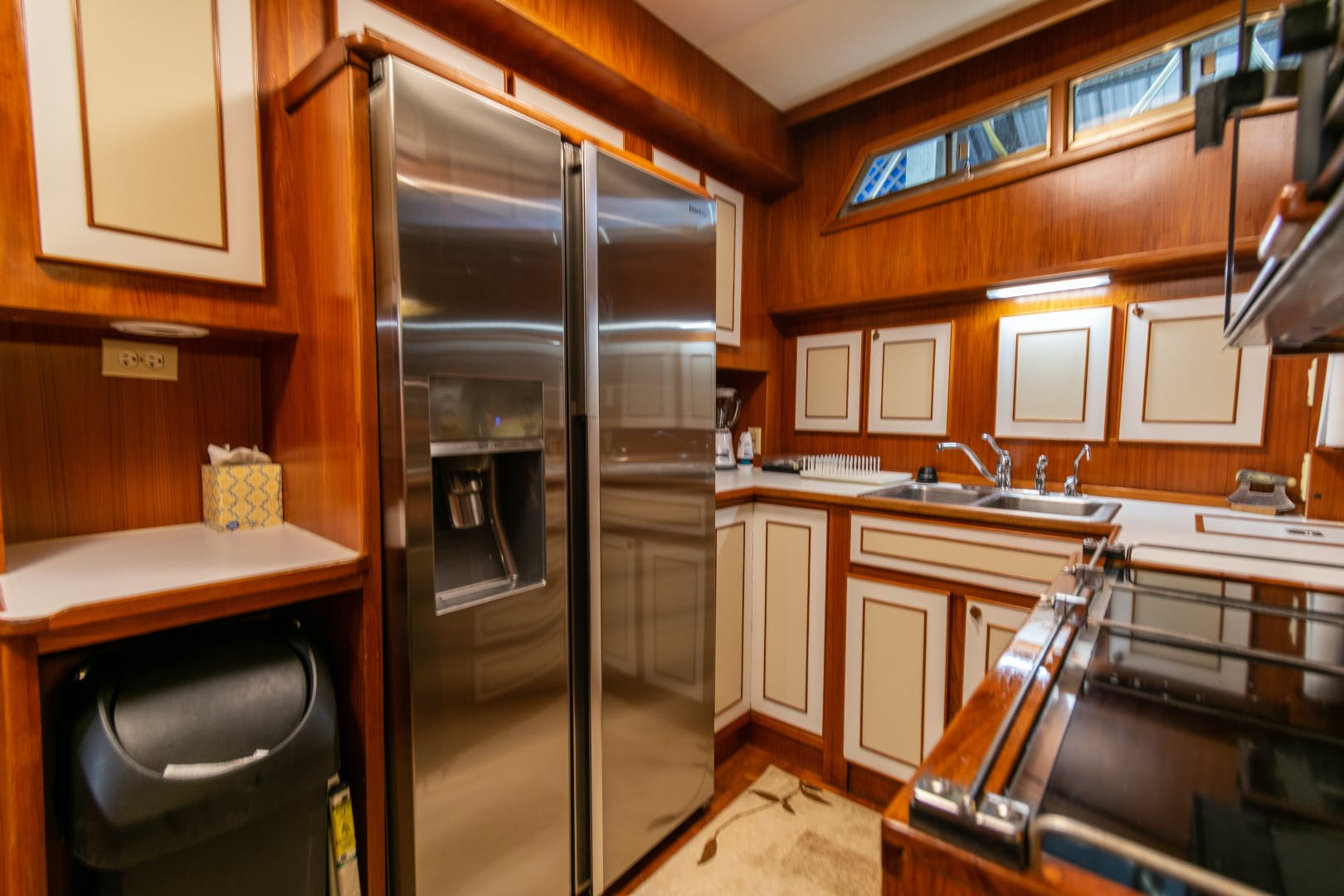 1989 Jefferson 65' 65 Motor Yacht Moon Palace | Picture 7 of 45