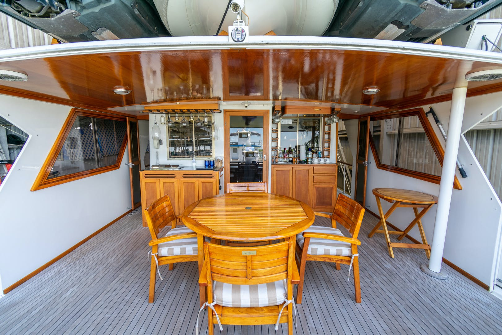 1989 Jefferson 65' 65 Motor Yacht Moon Palace | Picture 5 of 45