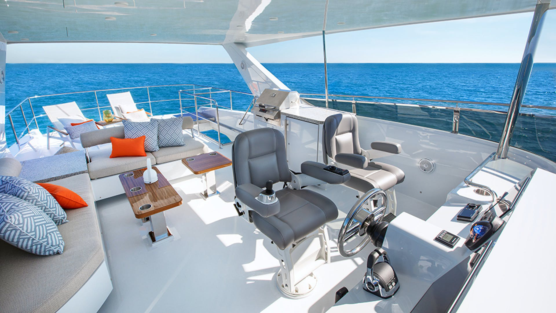 2020 CL Yachts 72' CLB72 New inventory   SOLD! More CLB72 hulls are under construction. | Picture 4 of 12