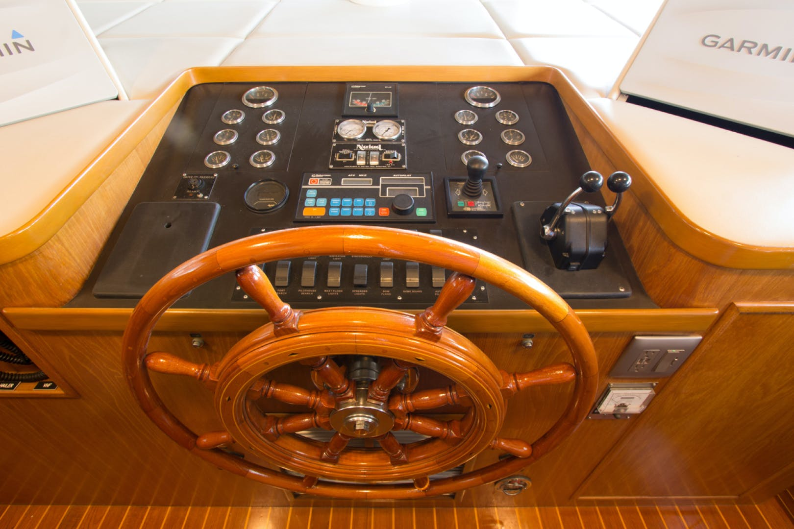 1988 Broward 97' Pilothouse GOLDEN RULE   Picture 4 of 29
