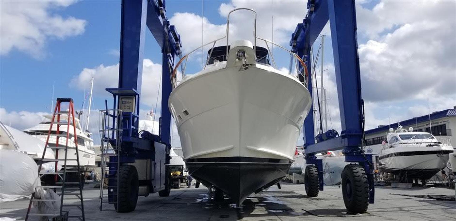 1989 Hatteras 78' Cockpit Motor Yacht Carolina Wind | Picture 7 of 9
