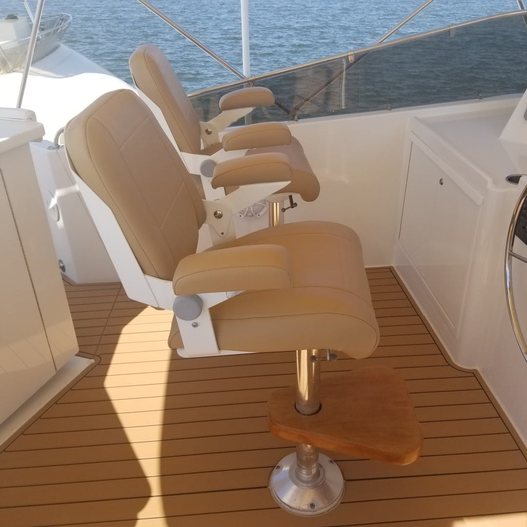 1989 Hatteras 74' Cockpit Motor Yacht Carolina Wind | Picture 5 of 17