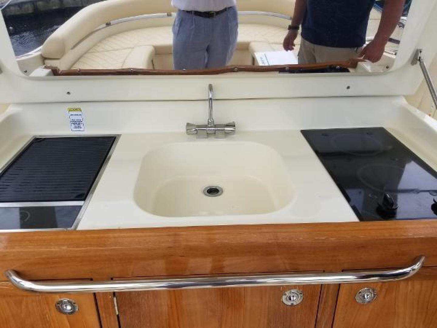2016 Chris-Craft 38' Launch Heritage Edition Living on a prayer | Picture 8 of 37