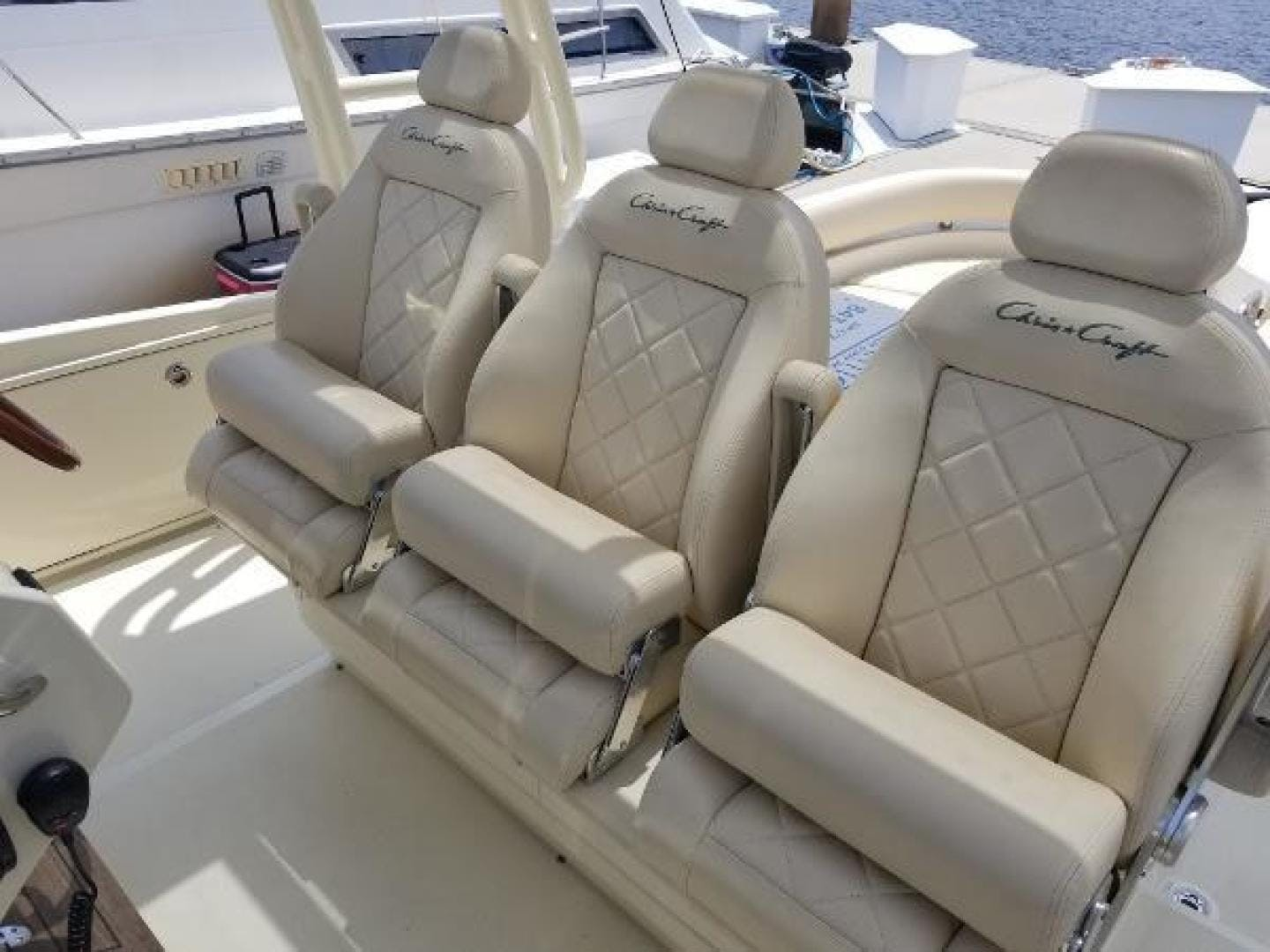 2016 Chris-Craft 38' Launch Heritage Edition Living on a prayer | Picture 5 of 37