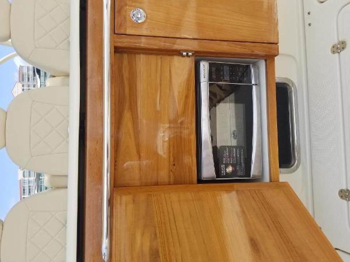 2016 Chris-Craft 38' Launch Heritage Edition Living on a prayer | Picture 6 of 37