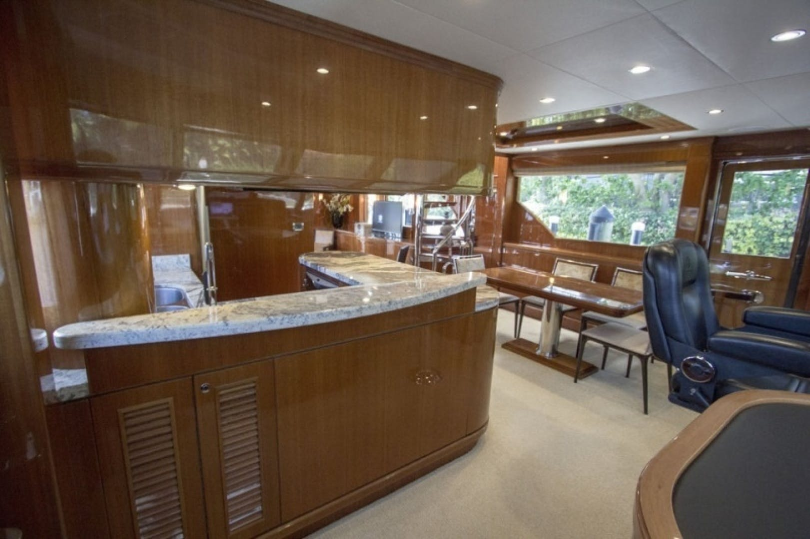 2010 Ocean Alexander 68'  Sea Leaf | Picture 2 of 41