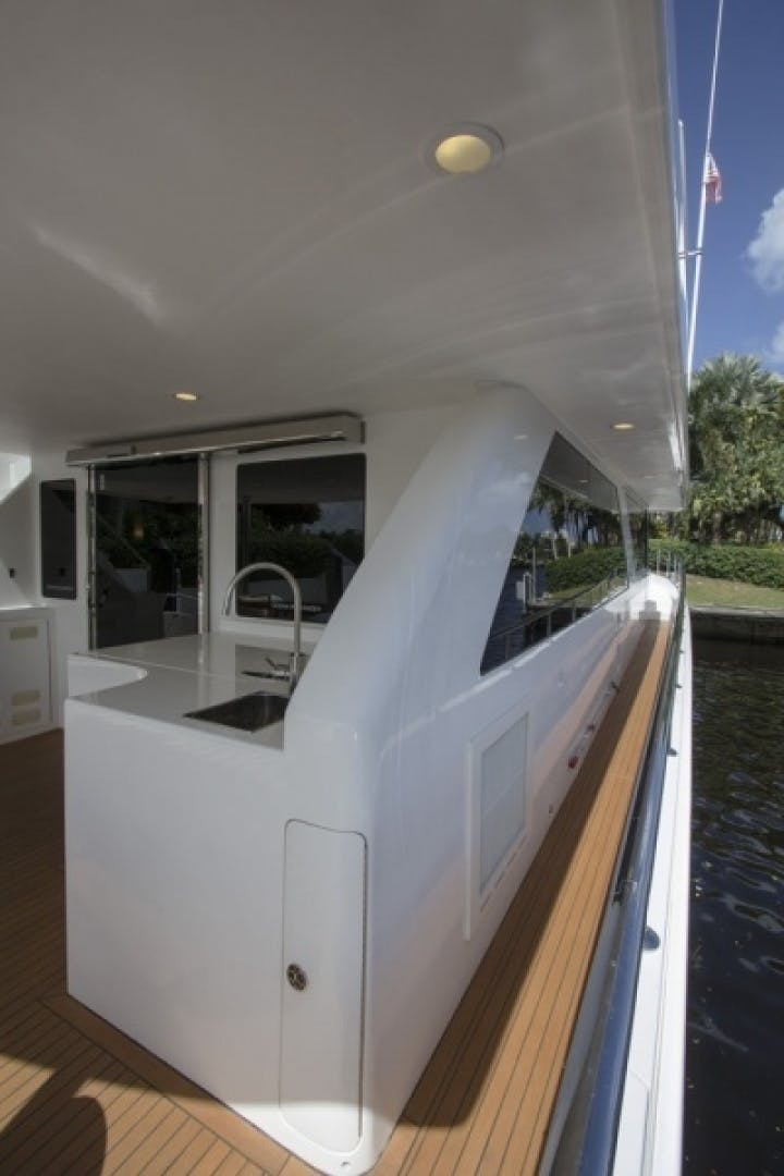 2010 Ocean Alexander 68'  Sea Leaf | Picture 5 of 41