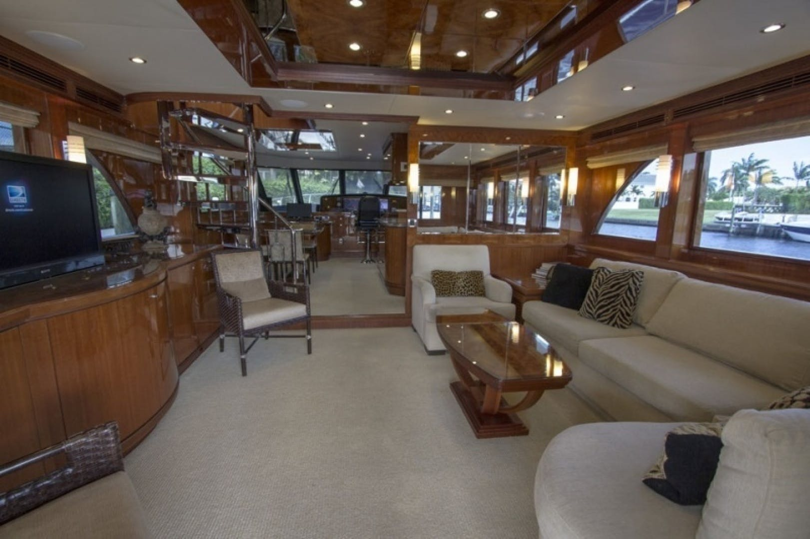 2010 Ocean Alexander 68'  Sea Leaf | Picture 3 of 41