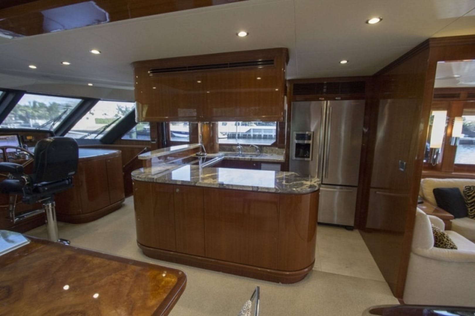 2010 Ocean Alexander 68'  Sea Leaf | Picture 6 of 41