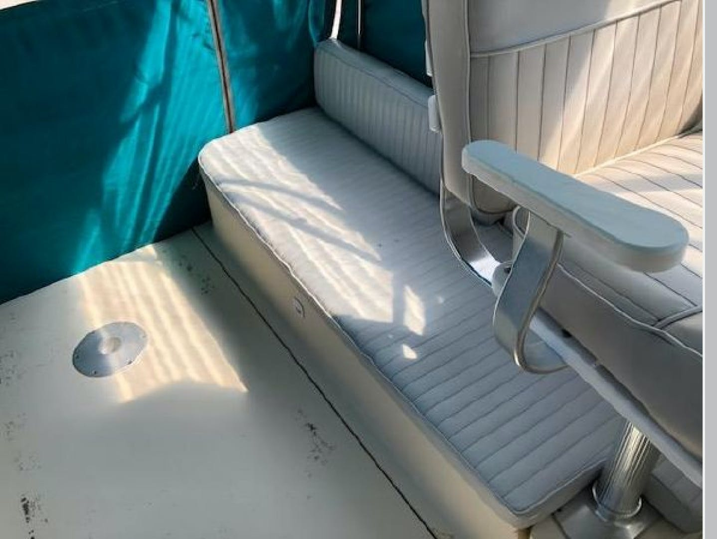 2003 Mainship 30' Pilot 30-II  | Picture 7 of 32
